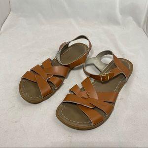 Saltwater sandal brown size 8